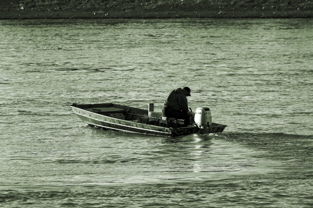 Picture of man fishing in Missouri