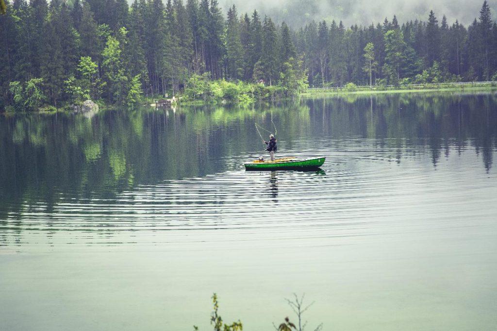image of fishing in smithville lake